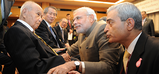 Prime Minister meets Saichiro Misumi, Netaji Subhash Chandra Bose's oldest living associate in Japan