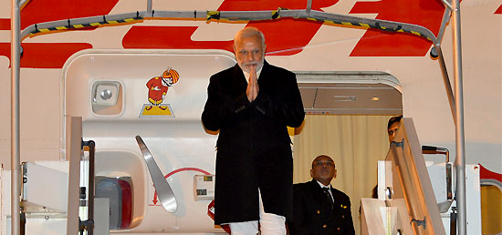 Prime Minister arrives in France to attend COP-21 Summit