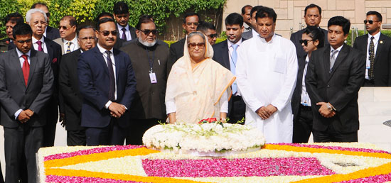 Sheikh Hasina, Prime Minister of Bangladesh pays homage at Samadhi of Mahatma Gandhi at Rajghat in New Delhi during her four-day State Visit to India