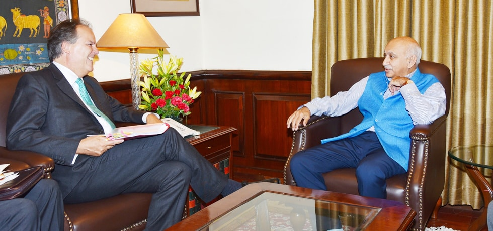 Minister of State for External Affairs meets Mark Field, Minister of State for Asia and Pacific, Foreign Commonwealth Office, UK