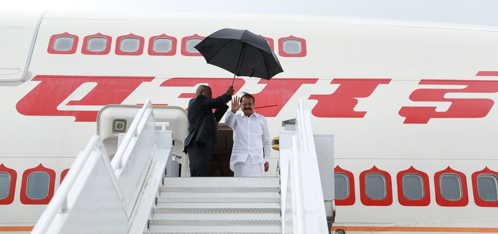 Vice President departs for Lima after successful completion of his visit to Panama